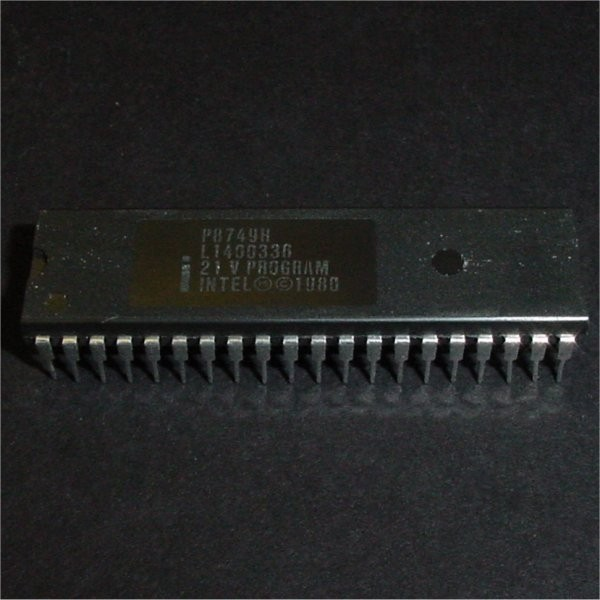P8749